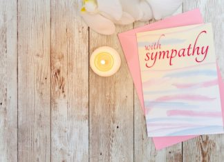 What to Write in a Sympathy Card – The Complete Guide